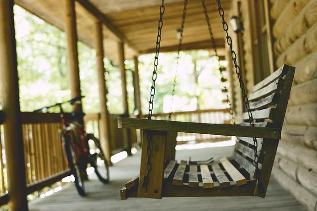 bench-1839735_640